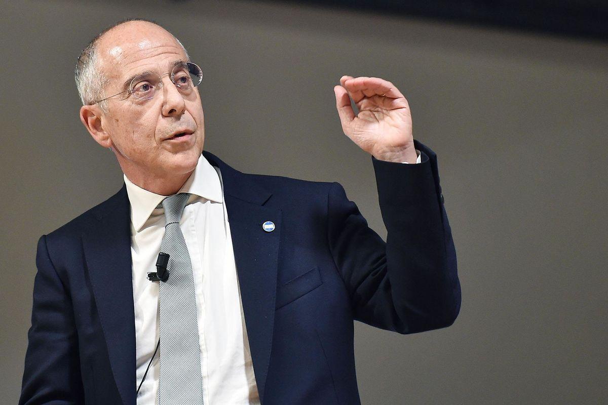 Enel investe 27 miliardi e rilancia la cedola: 32 cent