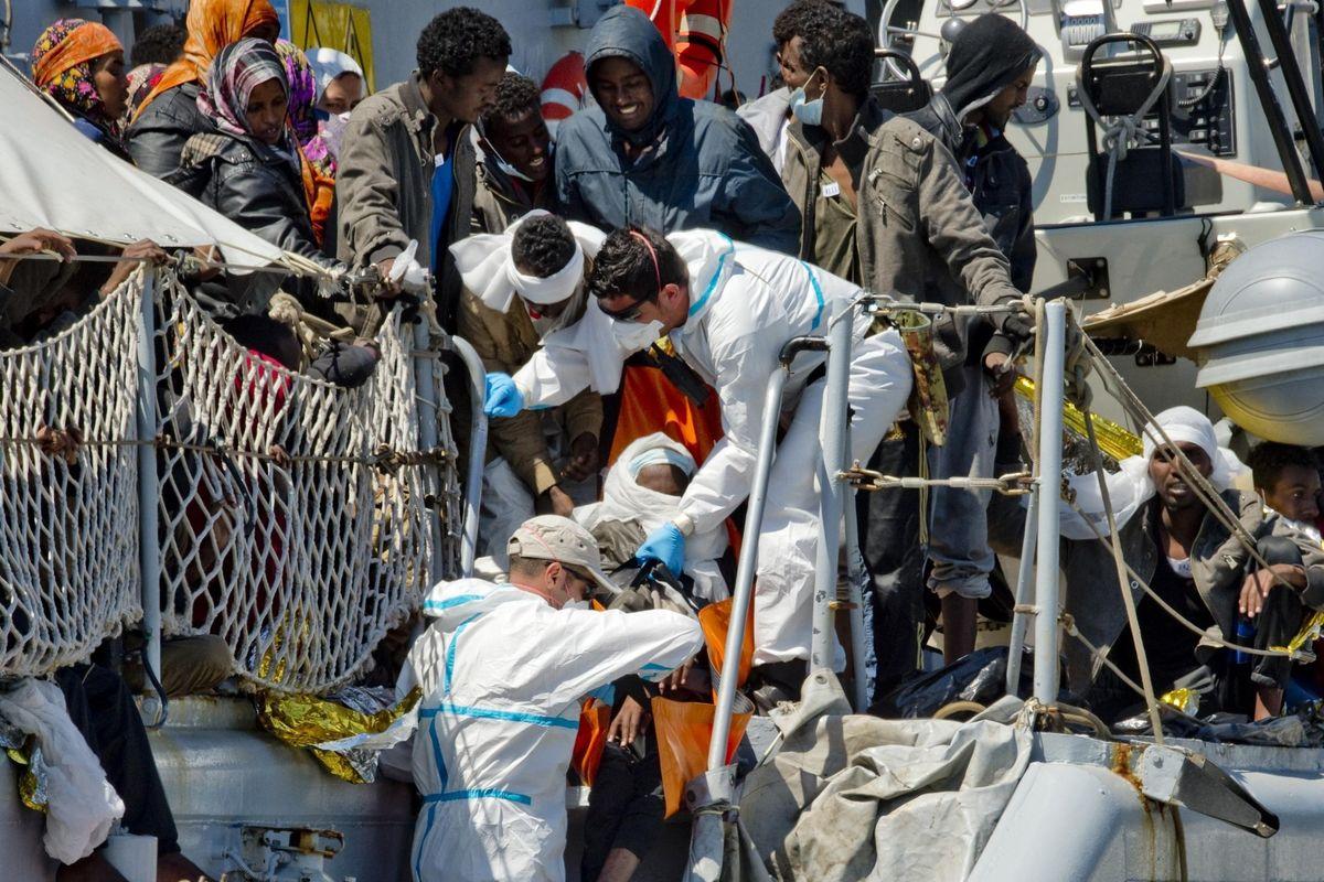 I profughi sono salvi. La sinistra però è furibonda perché voleva portarli qua