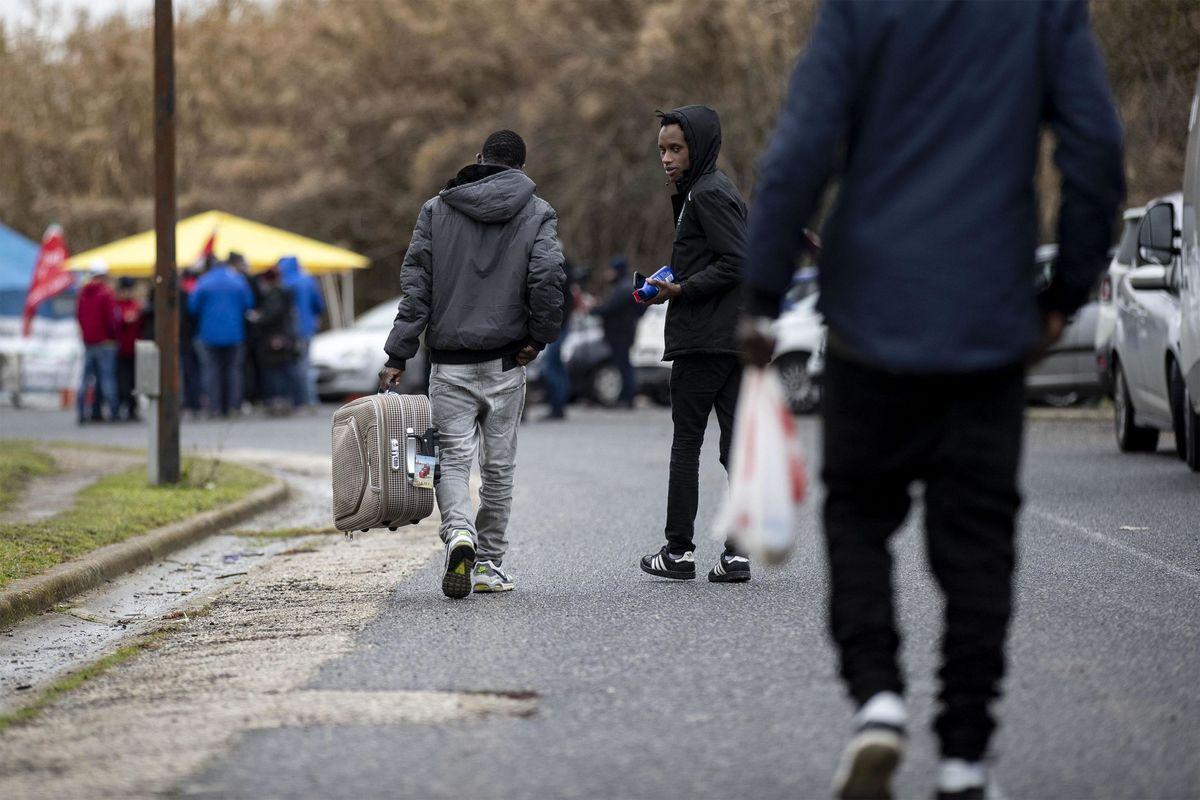 Schiavi migranti per il business degli stracci