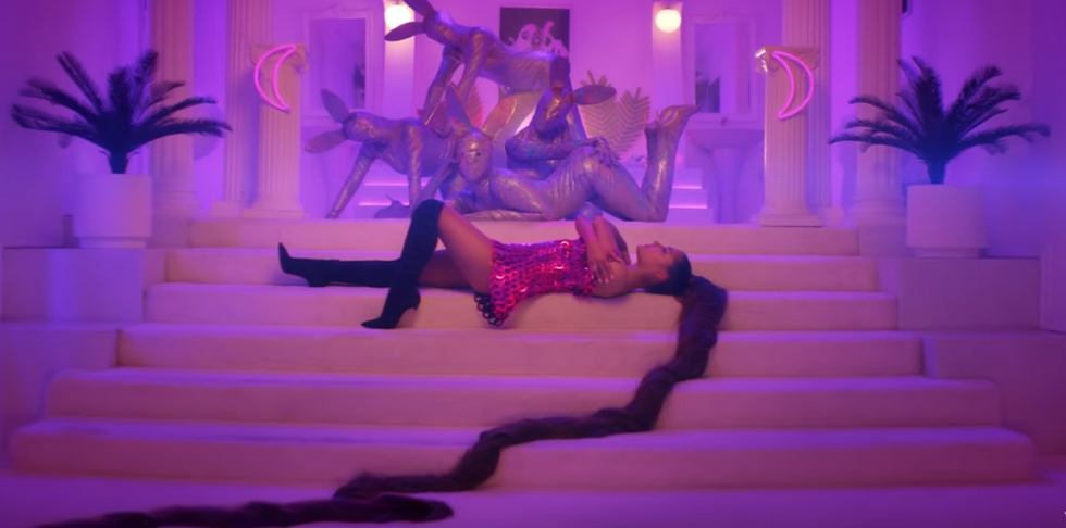 Ariana Grande's '7 Rings' Is The Bad-Bitch Anthem We All Need To Make It Through 2019