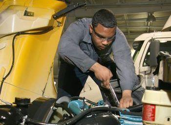 Penske Hosting Career Fairs at WyoTech Campuses