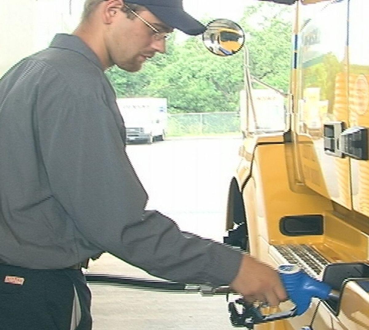 Penske Increases Bulk DEF Offerings at U.S. Fueling Facilities