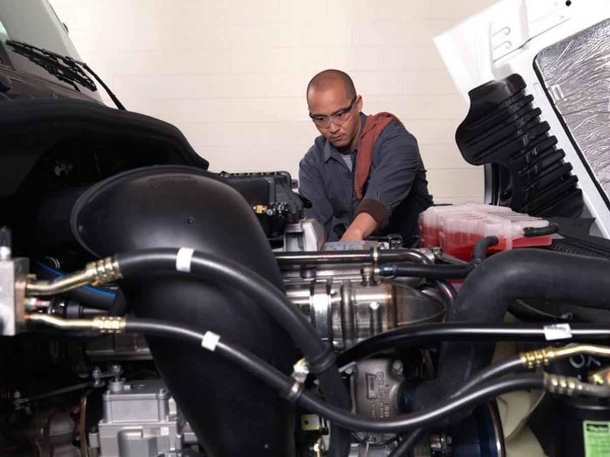 Find a Rewarding Diesel Technician Career at Penske