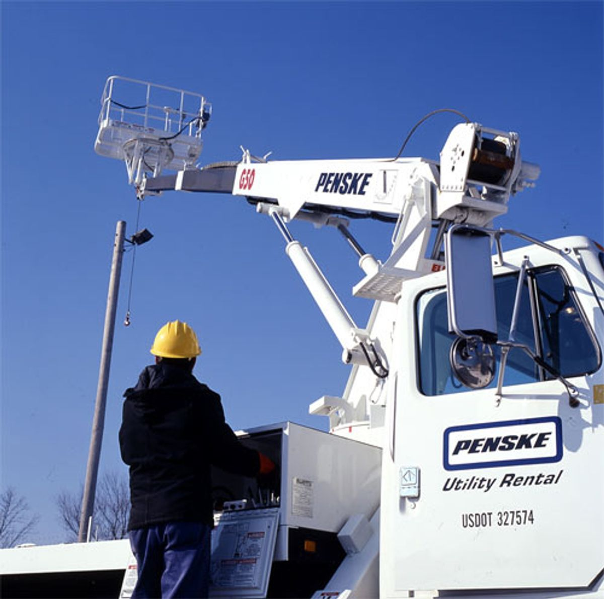 Utility Companies Depend on Penske for Fleet Reliability