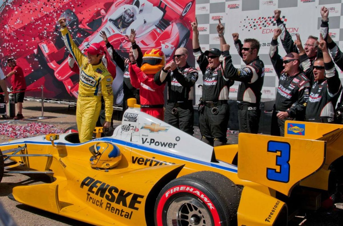 "Helio Castroneves Returning to ""Dancing with the Stars"""