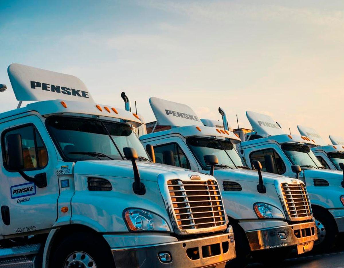 Penske Recruiting Truck Drivers at PA Driver Recruitment Event