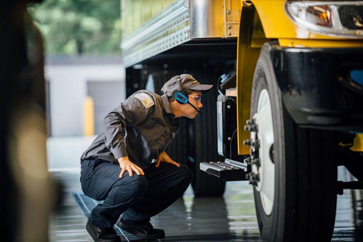 Penske Truck Leasing Digitizes Truck Fleet Preventive Maintenance Processes