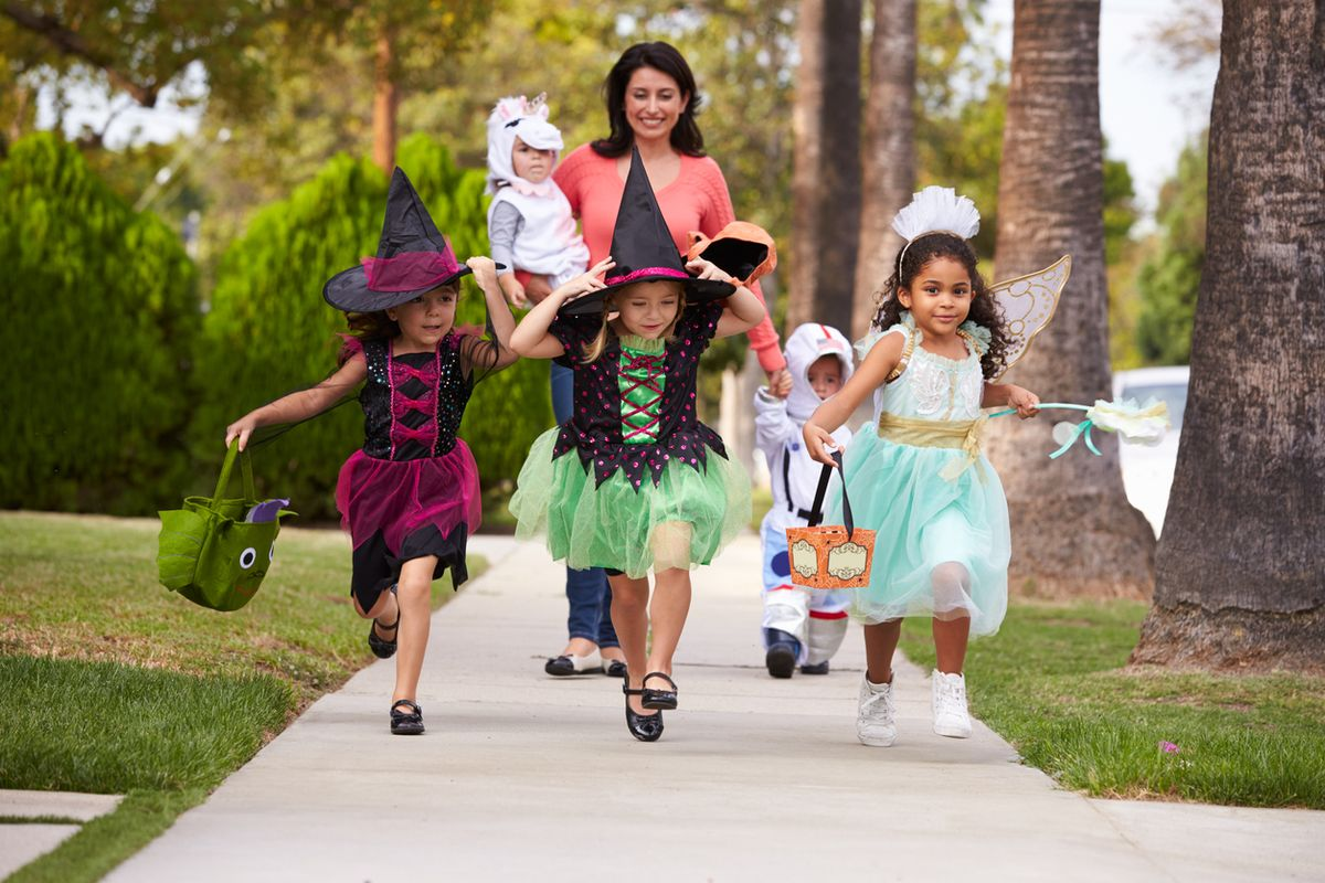 Conjuring Up Fun for Your Halloween Cross-Country Move