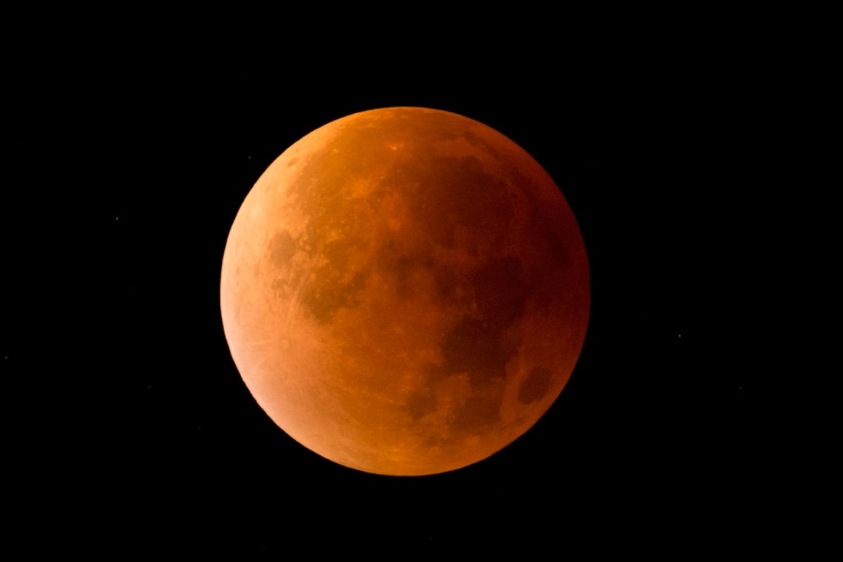 Truck Drivers in Store for Super Lunar Eclipse Treat