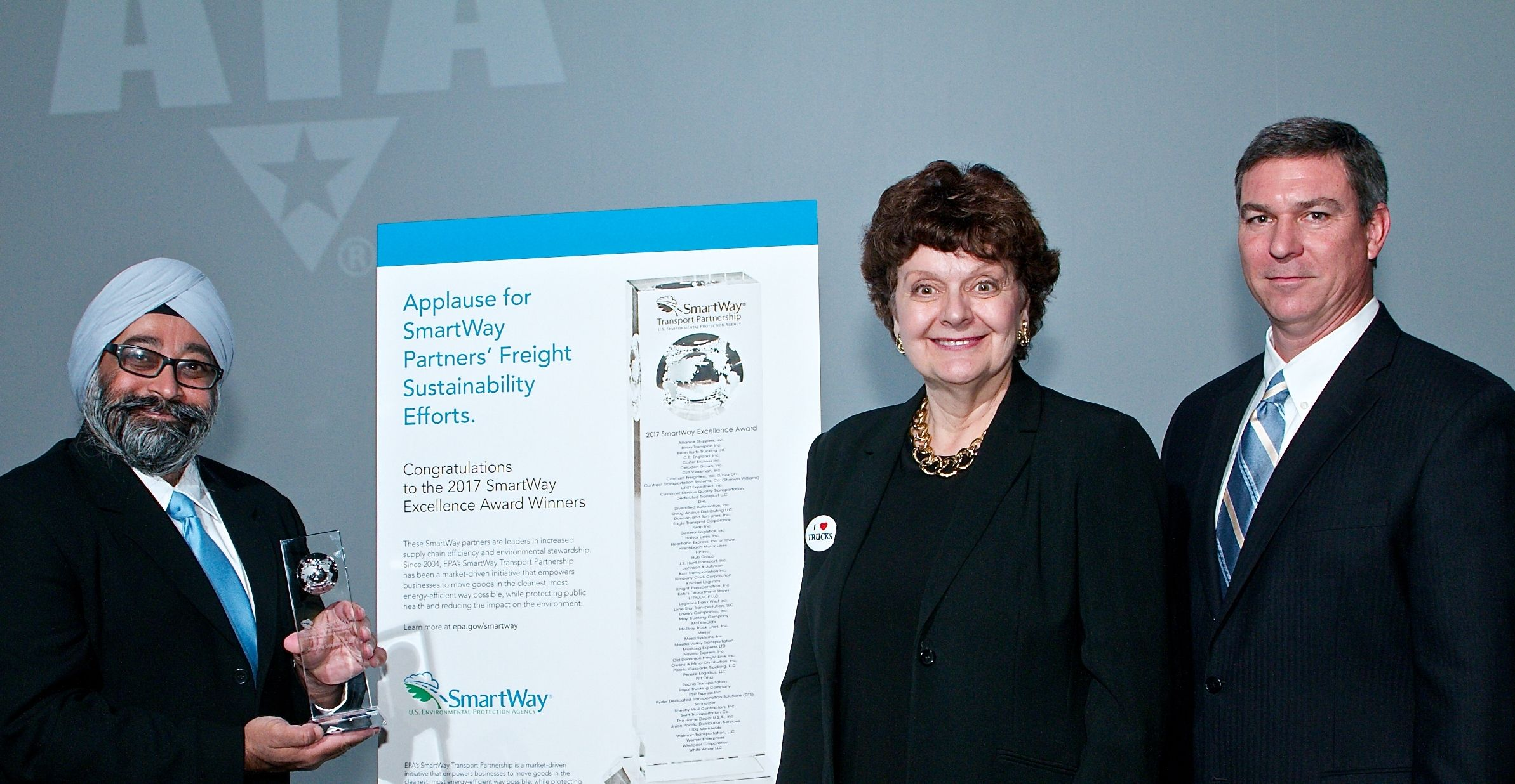 Penske Logistics Given Sustainability Award by U.S. EPA SmartWay Program