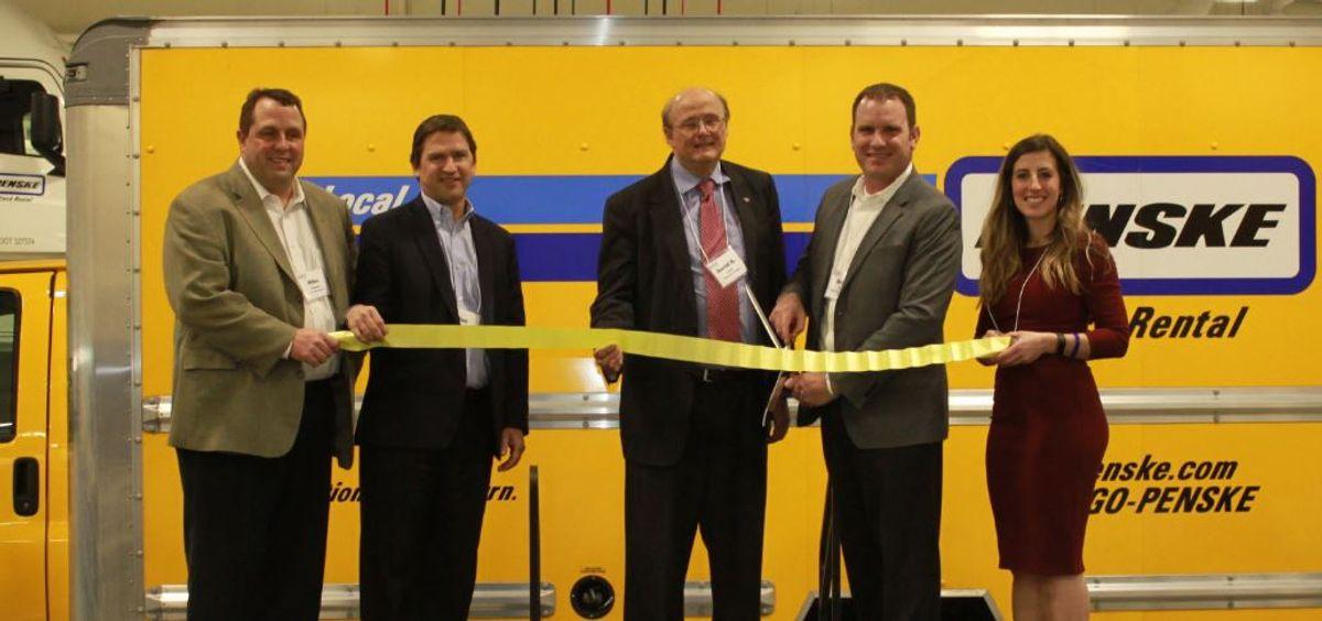 Penske Truck Leasing Opens in Bedford Park, Illinois