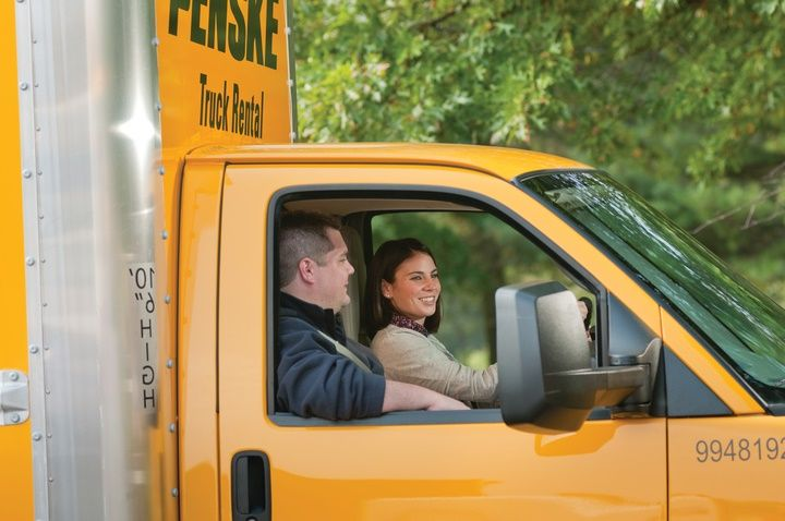 5 Safety Tips for Driving a Moving Truck