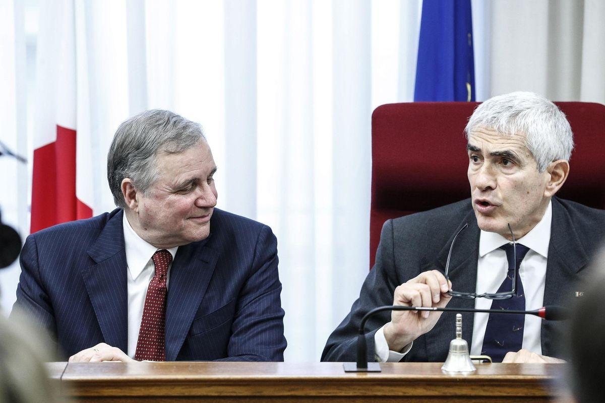 Visco scende in politica e schiera Bankitalia all'opposizione
