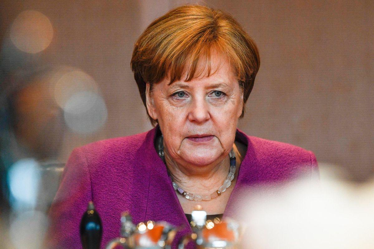 La Merkel paga il prezzo dei migranti