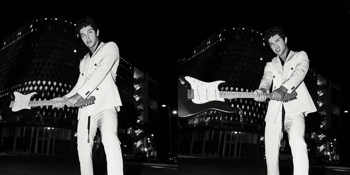 Austin Mahone Looks Good Holding a Guitar