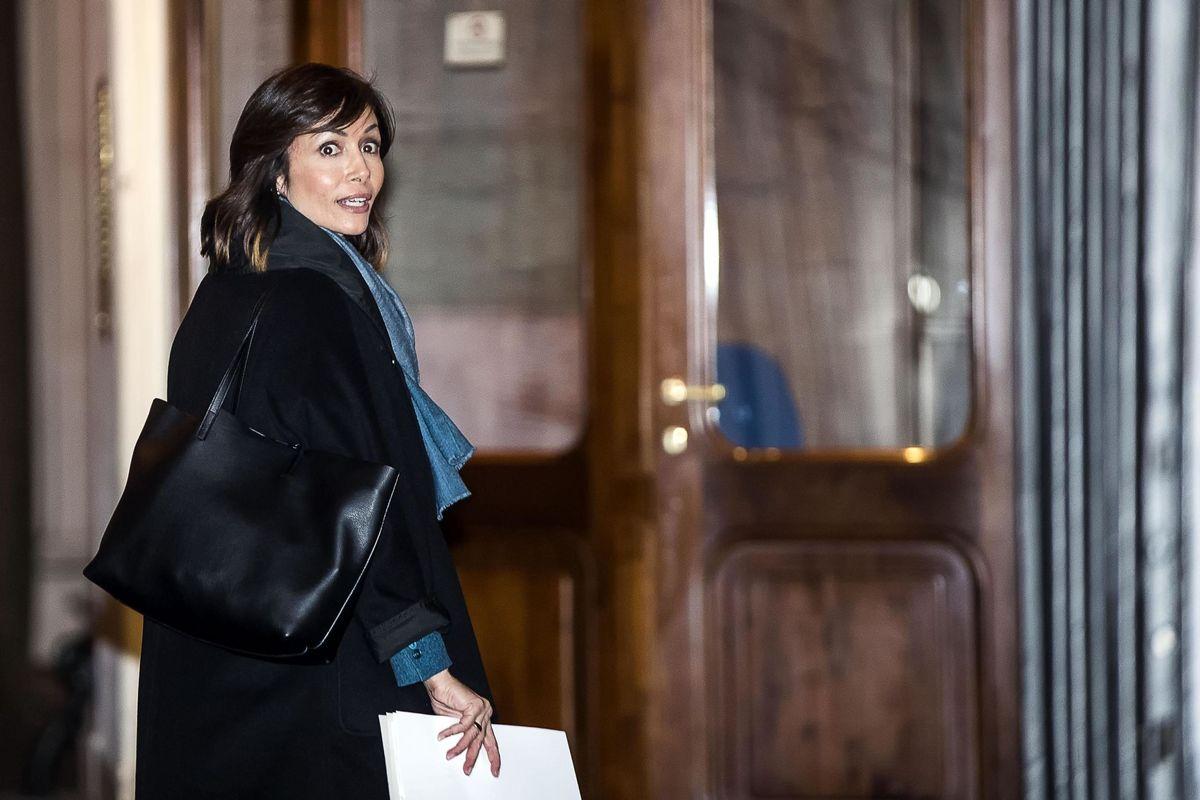 Forza Italia riparte da tre donne e i giudici ripartono con Berlusconi