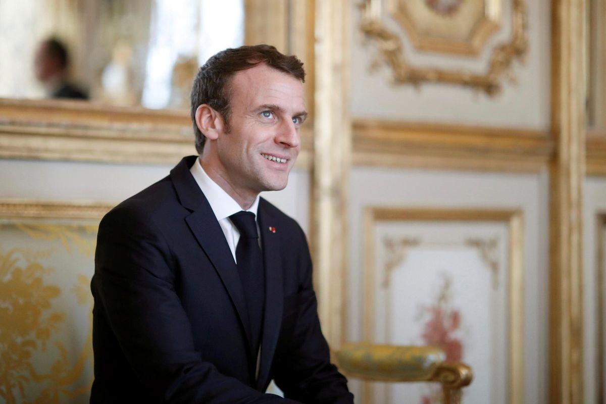 Il clandestino ora è Macron
