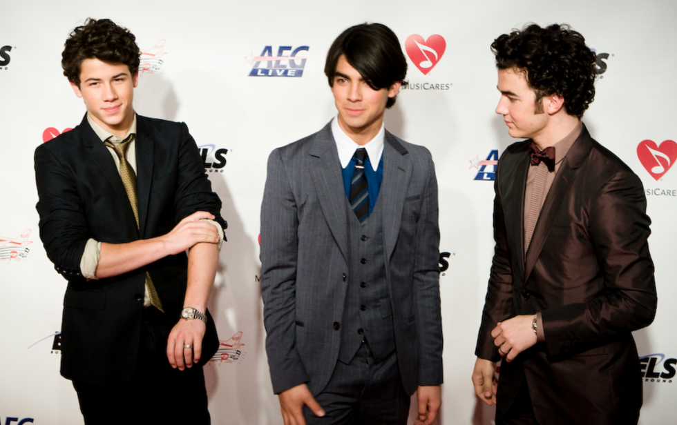 Here Is The PERFECT Jonas Brothers Playlist For Your Middle School Heart