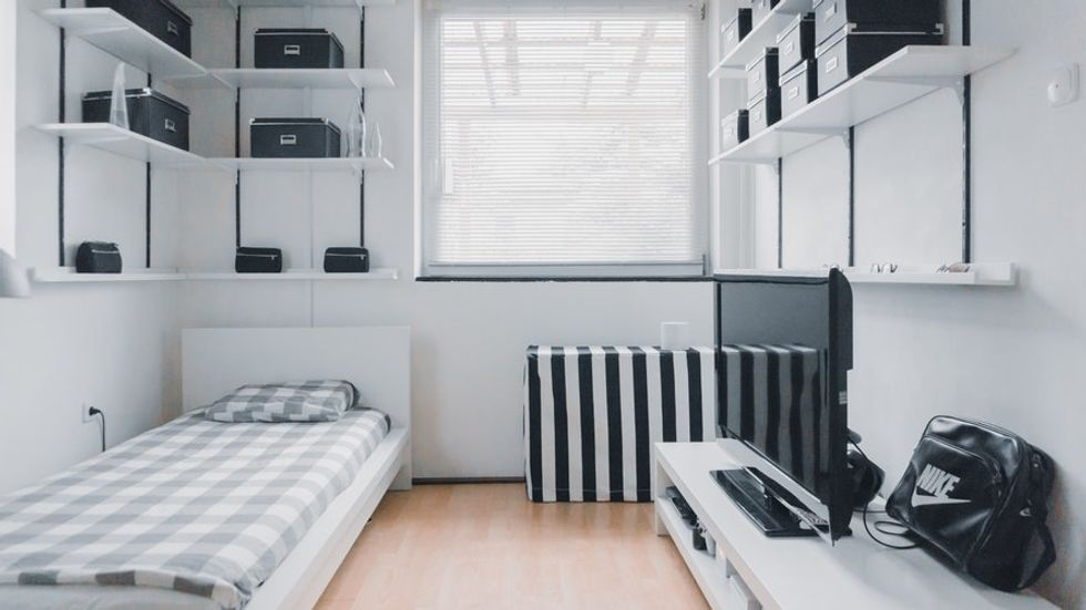 The First 5 Thoughts You Had When You Rented YourFirst Apartment
