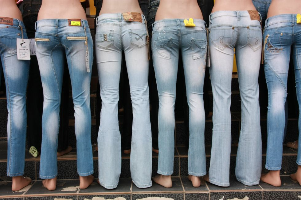 (3/7) 6 Reasons Why I Hate Shopping For Women's Jeans