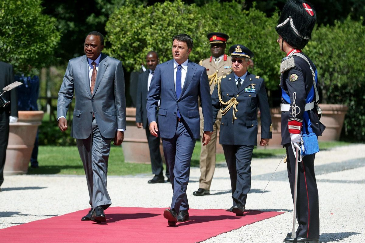 The «red cooperative» Cmc under investigation for bribery in Kenya. Investigators are scrutinizing the contract signed in the days of Matteo Renzi