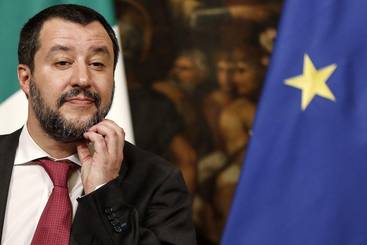 Salvini si prende il weekend libero. Ma Di Maio sulla Tav agita la crisi