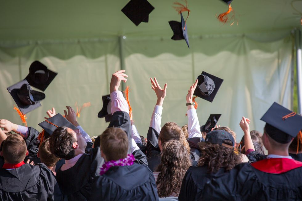 26 Questions To Ask Yourself When Choosing Between Colleges