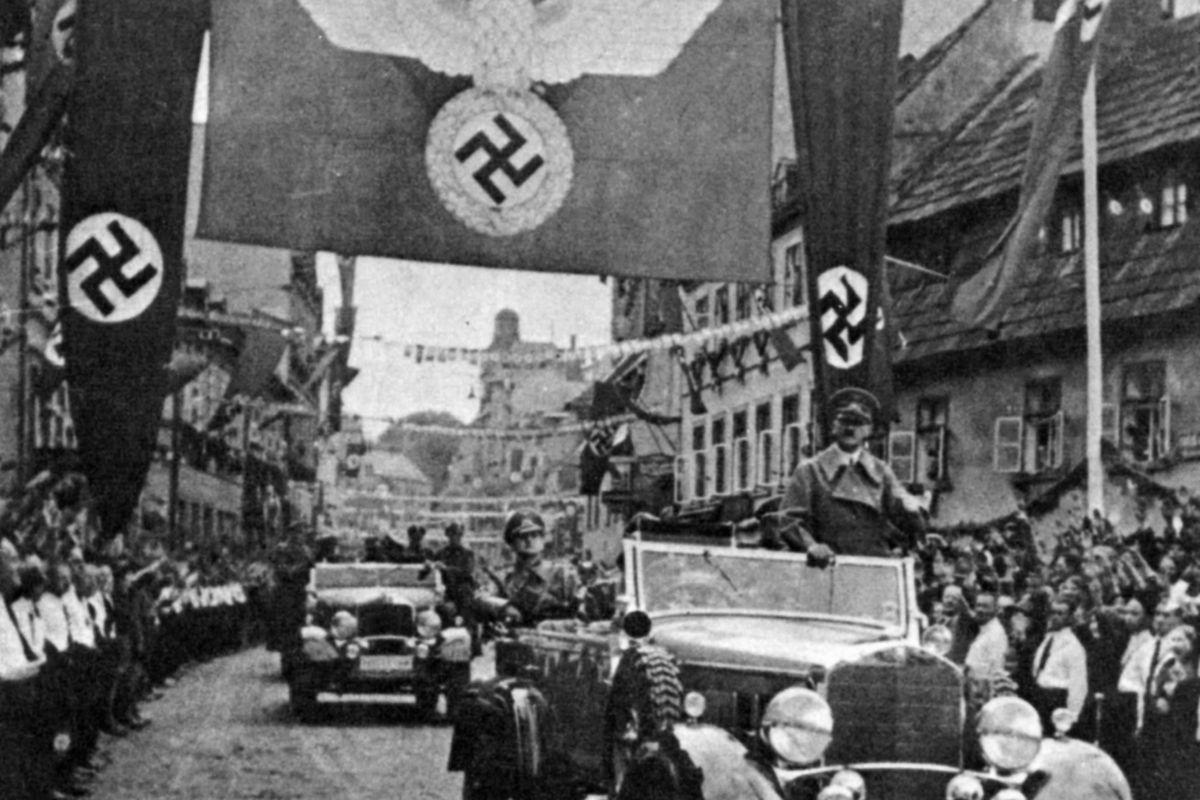 Ottant'anni fa il regalo a Hitler che spalancò la botola dell'inferno