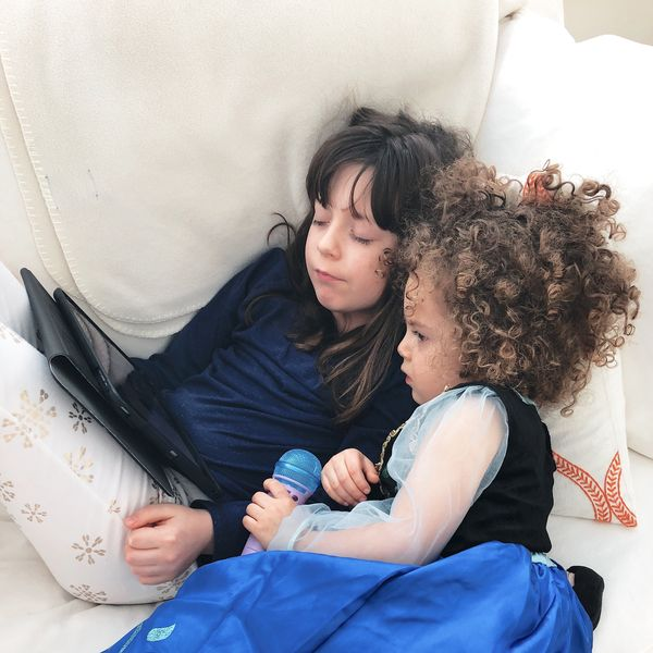 How To End Screen Time Without A Struggle Motherly >> How To End Screen Time Without A Struggle Motherly