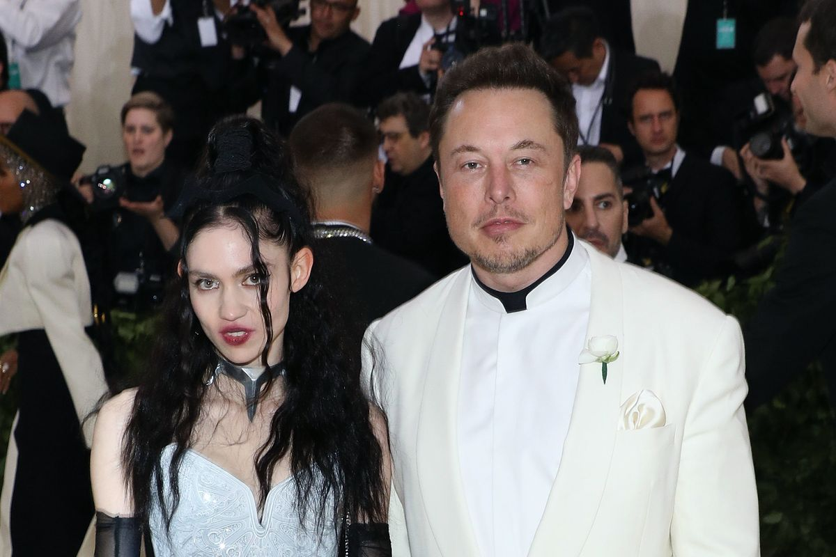 Grimes Doesn't Know Why She's Dating Elon Musk Either