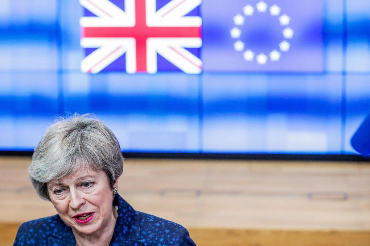 Gli 007 inglesi: Facebook aiuta gli scafisti