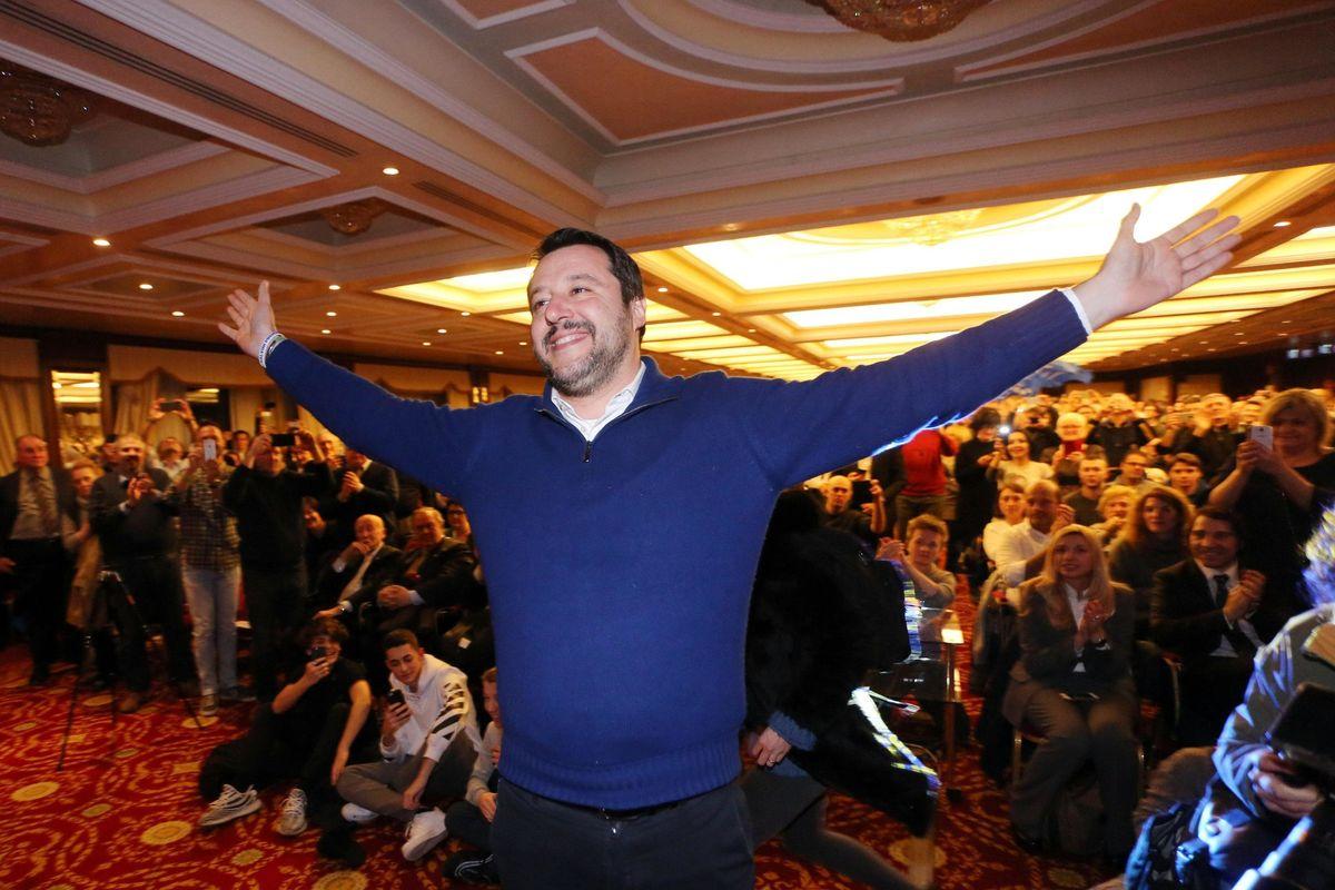 A Bologna regalo del Pd ai musulmani Salvini: «Nuova legge sulle moschee»