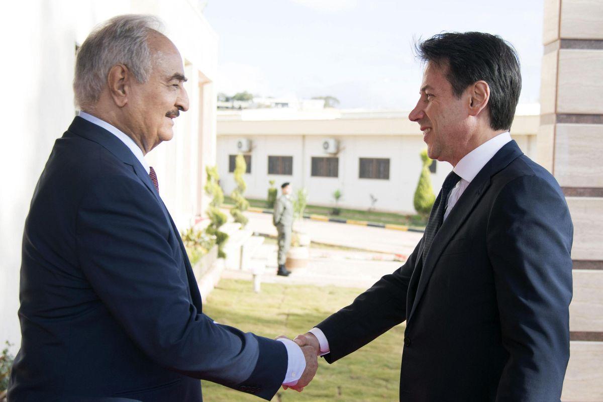 L'Italia pianta la bandiera a Bengasi ma scoppia una grana con il Qatar