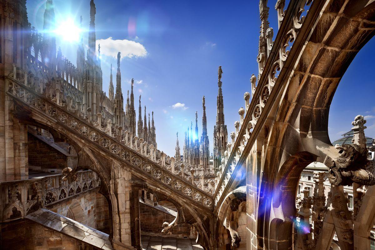 La Milano da bere non c'è più. Meglio ci sono i grattacieli