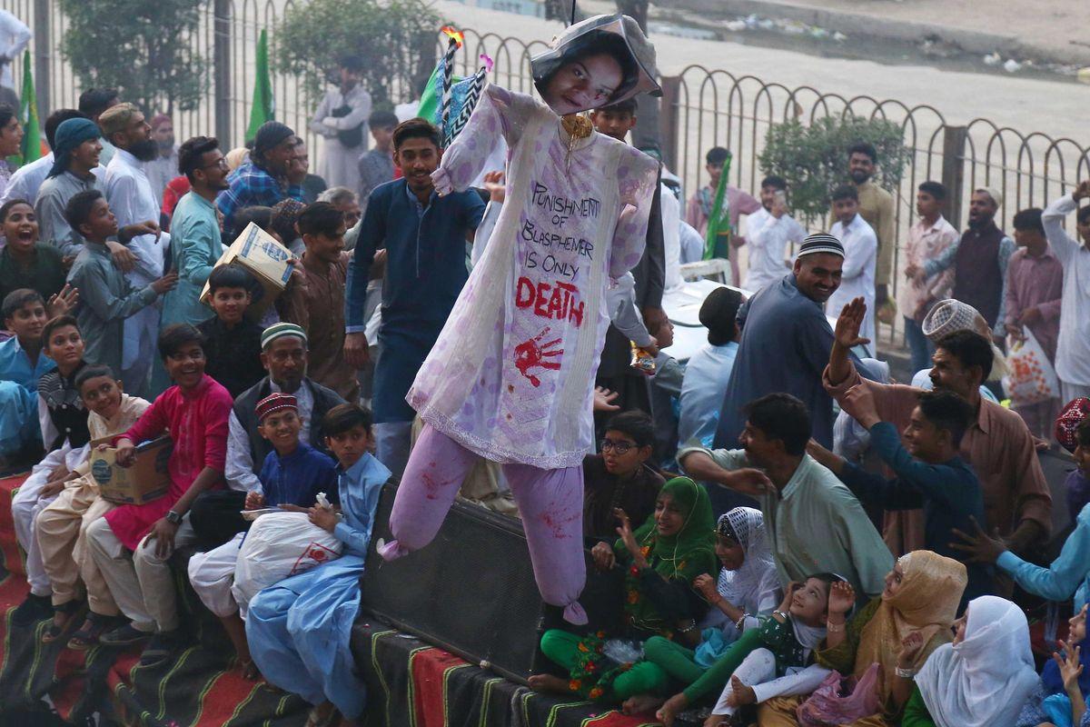 Asia Bibi chiede asilo nei Paesi Bassi, ma il Pakistan rifiuta di lasciarla andare