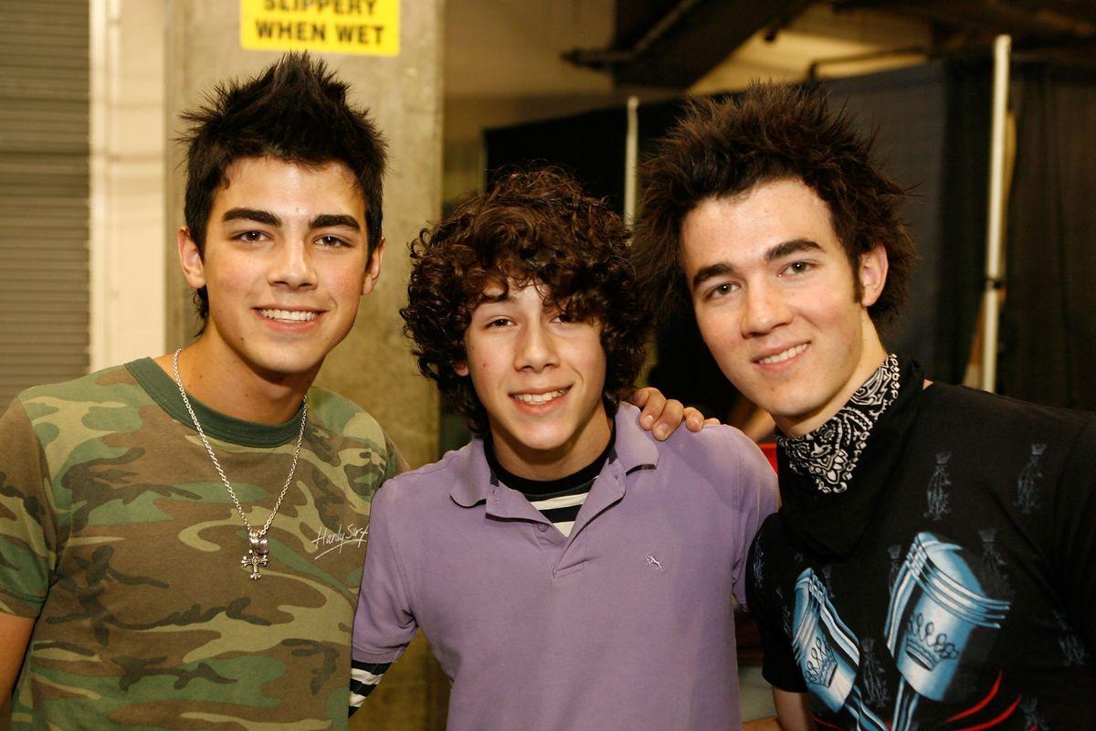 The Jonas Brothers Will Reunite as JONAS