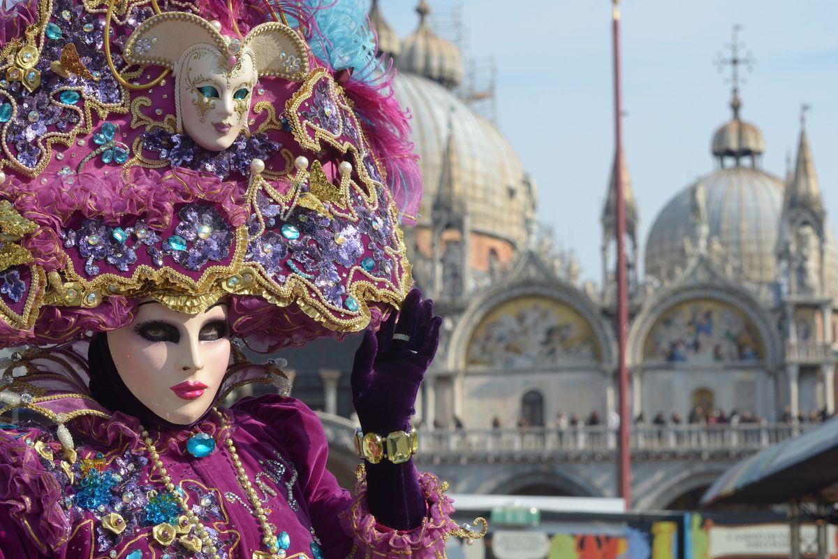 A Carnevale cambi faccia e classe sociale