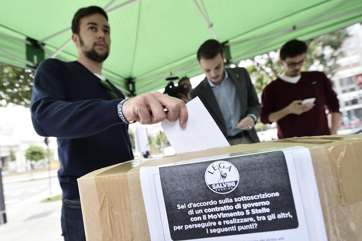 Fisco, immigrati e orgoglio anti Ue. L'aria del Nord tira sul programma