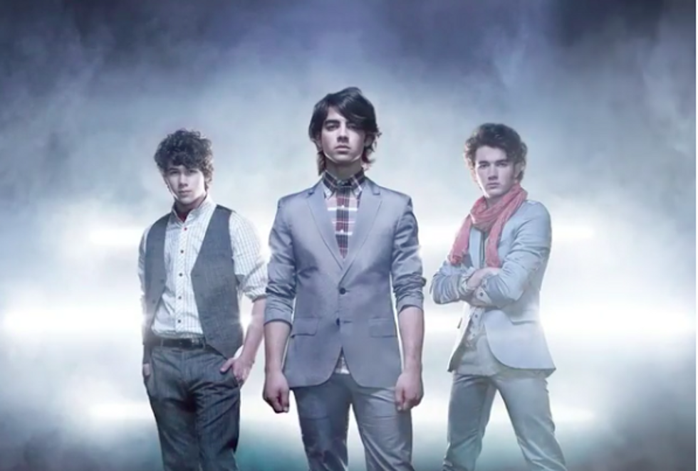 S.O.S The Jonas Brothers Are Having A Reuinion And I Am Burnin' Up Over It