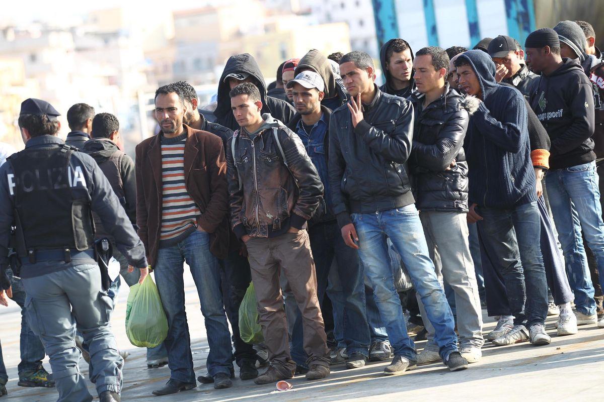 Ordinaria immigrazione: botte  e rivolte