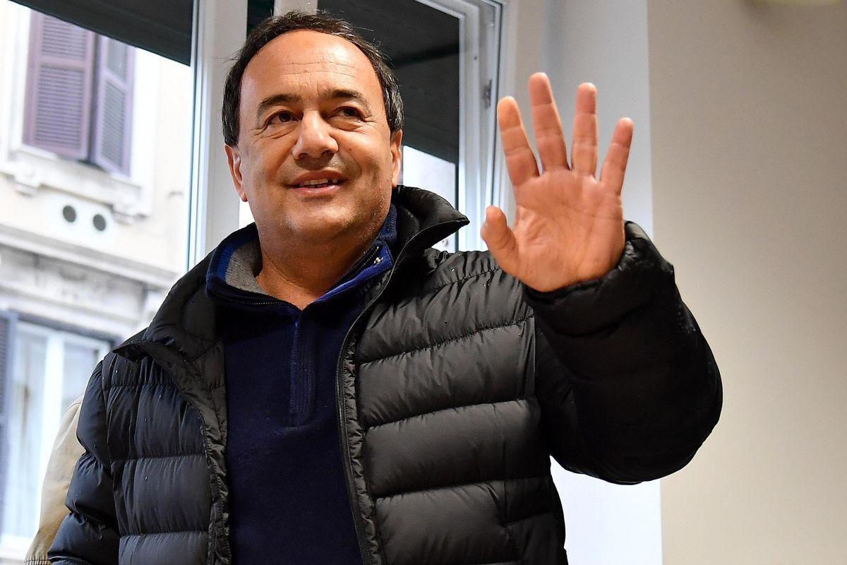 Il numero due di Lucano seppellisce Riace: «I migranti ci picchiano, stop all'accoglienza»