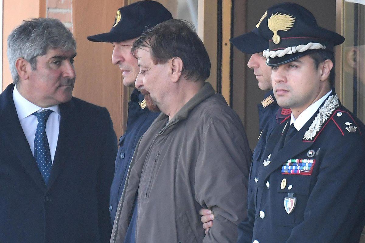 Battisti è un killer: il suo posto è in galera