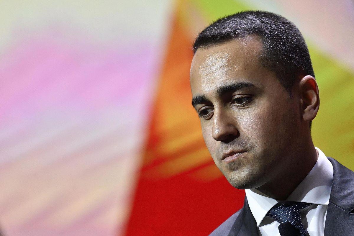 Di Maio vuole Barca come segretario generale, ma al momento non ci sono i requisiti