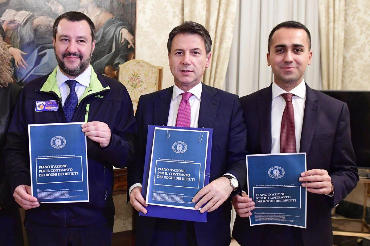 I vecchi pontieri tra Lega e 5 Stelle non funzionano più. Salvini e Di Maio ne cercano di nuovi
