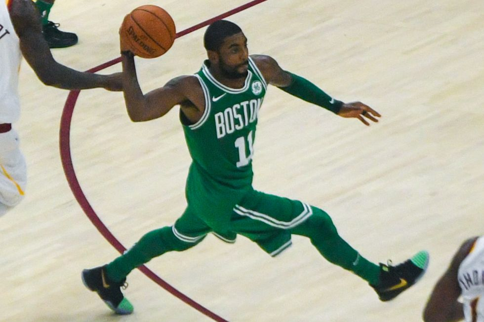 Kyrie Irving & Kevin Durant Are Fed Up With Free Agency Rumors