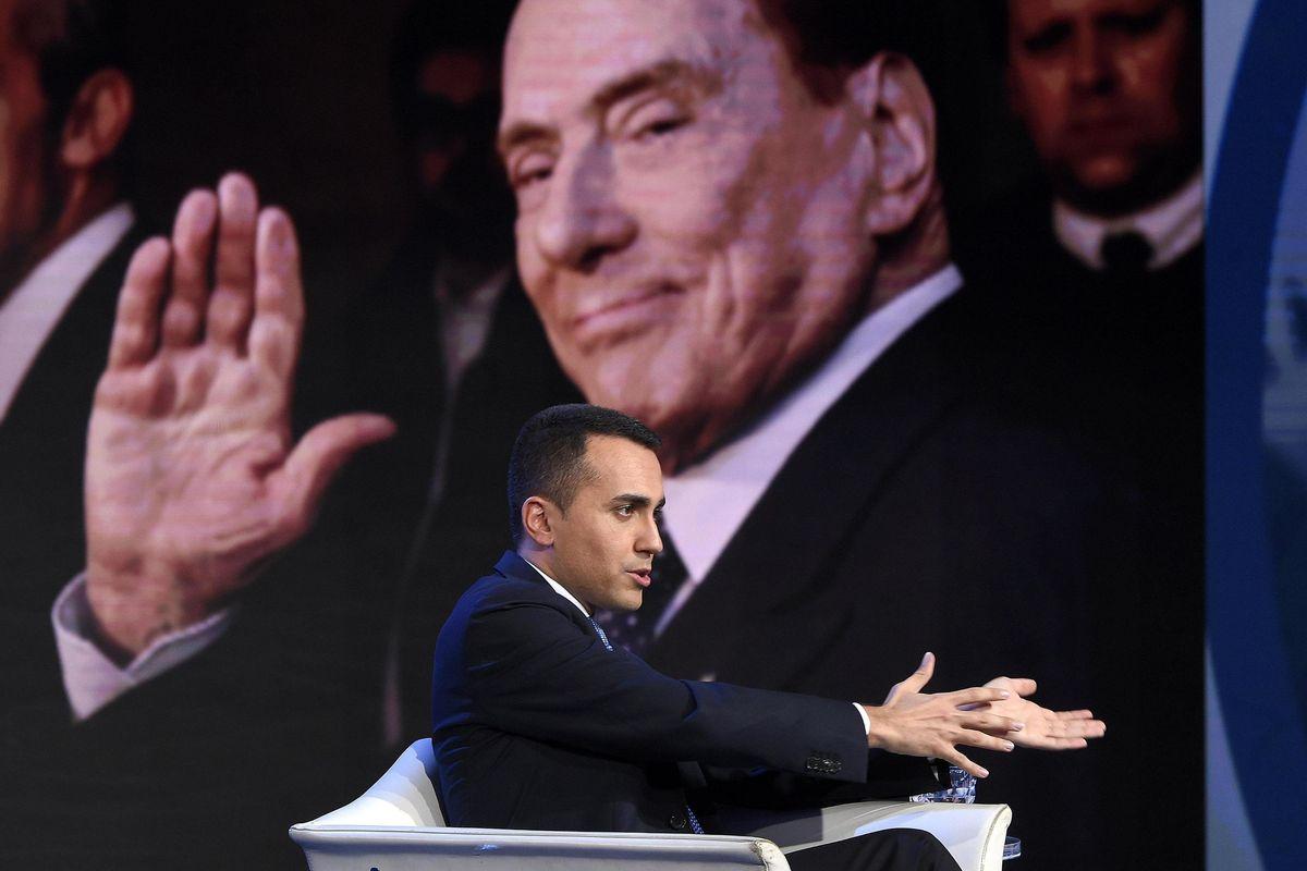 Di Maio vuole «difendere» Salvini da Mediaset. Il Cav: minaccia le tv