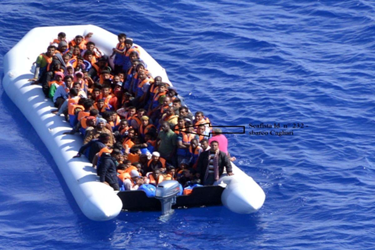 Gli scafisti non fanno le consultazioni. In appena due giorni oltre 1.400 sbarcati