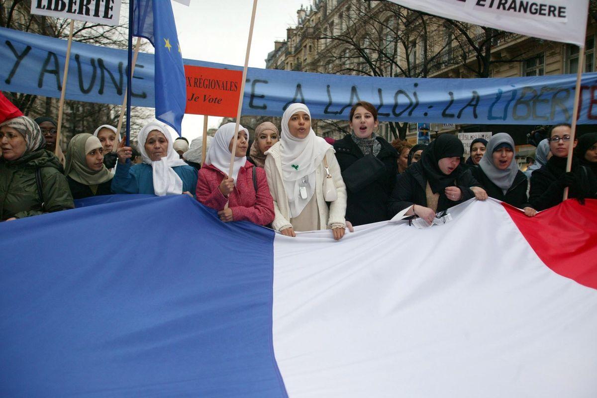L'Onu vuole rimettere il velo alle donne francesi