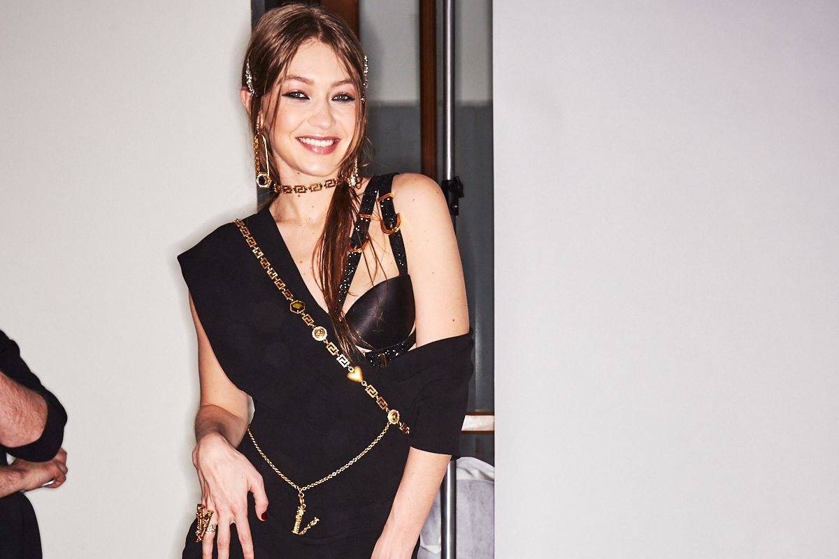 Versace's New Glam, Grunge World