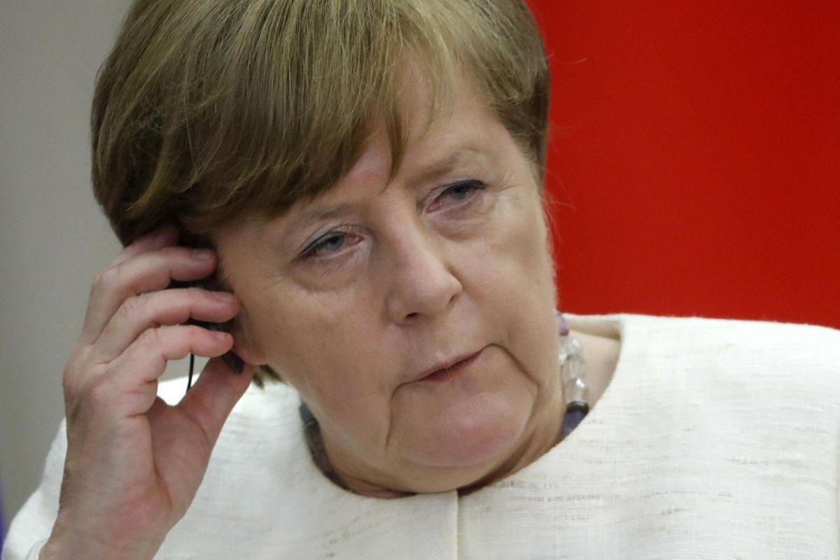 «La Merkel è una morta vivente e l'asse franco tedesco un'illusione»